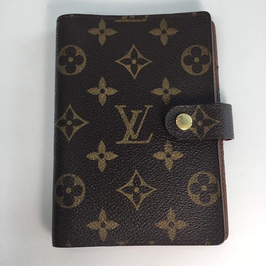 Preload https://item4.tradesy.com/images/louis-vuitton-brown-tan-agenda-wallet-24297883-0-2.jpg?width=440&height=440