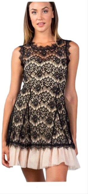 Preload https://img-static.tradesy.com/item/24297902/casting-black-and-cream-sweet-sleeveless-lace-tulle-hem-mid-length-night-out-dress-size-14-l-0-3-650-650.jpg