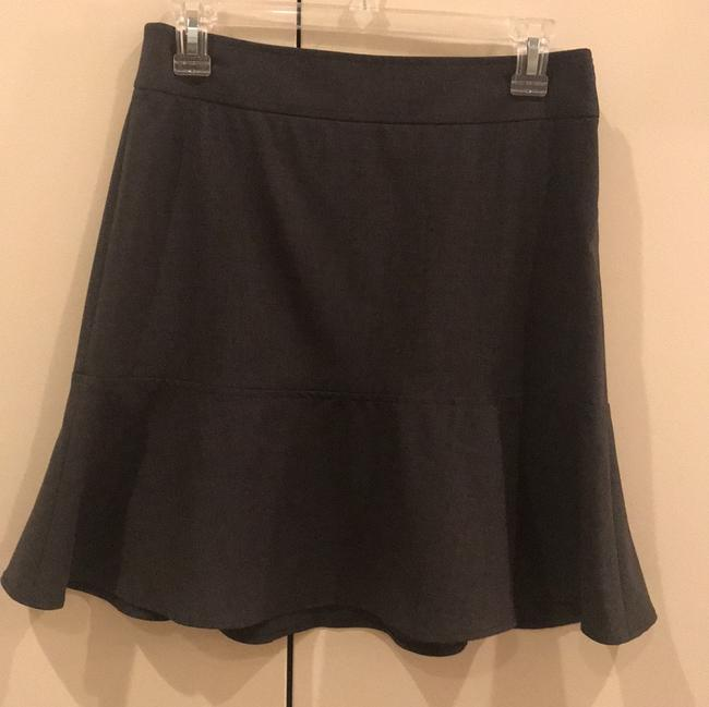 Preload https://img-static.tradesy.com/item/24297904/theory-charcoal-flounce-skirt-size-4-s-27-0-5-650-650.jpg