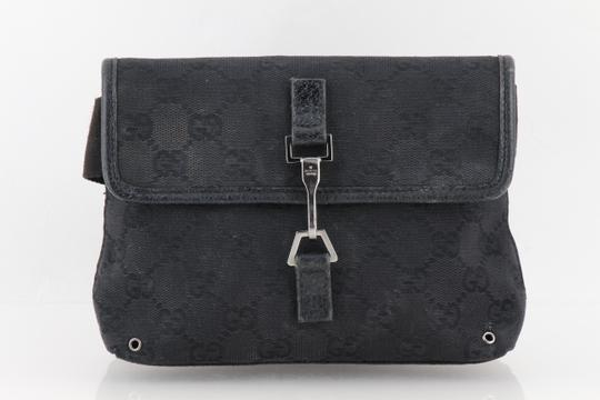 Preload https://img-static.tradesy.com/item/24297938/gucci-monogram-gg-belt-black-canvas-messenger-bag-0-2-540-540.jpg