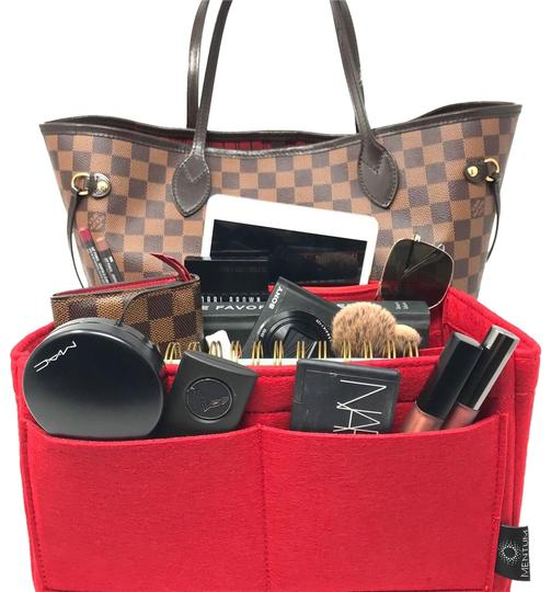 Preload https://img-static.tradesy.com/item/24297949/red-apparel-louis-vuitton-neverfull-pm-insert-organizer-cosmetic-bag-0-3-540-540.jpg