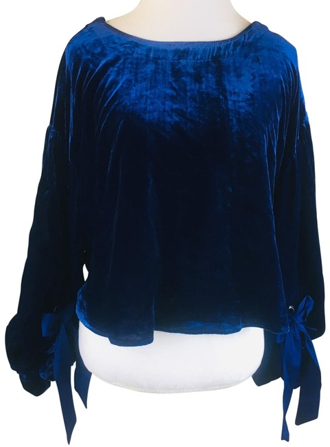 Preload https://img-static.tradesy.com/item/24298010/free-people-blue-gimme-some-lovin-blouse-size-4-s-0-3-650-650.jpg