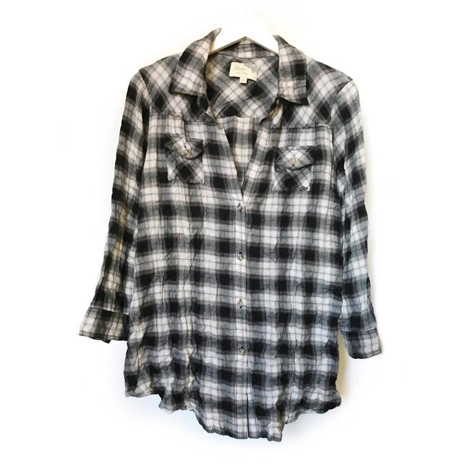 Preload https://img-static.tradesy.com/item/24298052/elizabeth-and-james-black-white-cohen-shirt-button-down-top-size-12-l-0-0-650-650.jpg
