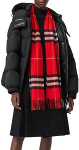 Burberry London The Classic Giant Check Cashmere Scarf