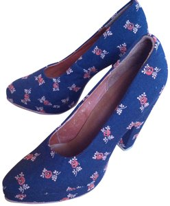Rachel Comey Embroidery, navy blue background Pumps