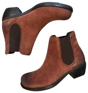FLY London Chelsea Brown Boots