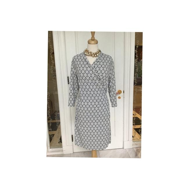 Item - Catalina Stretchy Mid-length Short Casual Dress Size 8 (M)