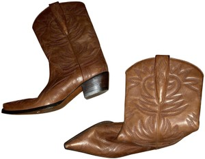 Guess By Marciano Brown Boots