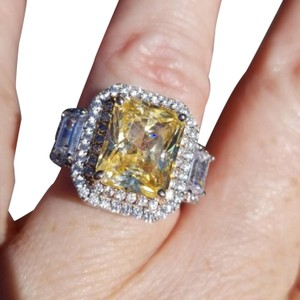 Charles Winston CANARY COCKTAIL RING