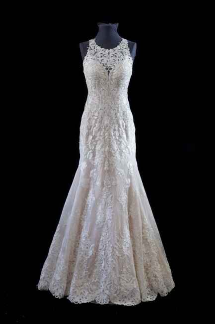 Item - Ivory Lace and Stone Tulle Over Moscato Gown with Porcelain Tulle Illusion 874 Modern Wedding Dress Size 10 (M)