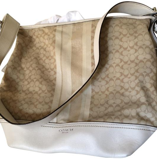Preload https://img-static.tradesy.com/item/24312206/coach-beige-terry-cloth-and-leather-cross-body-bag-0-4-540-540.jpg