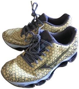 Mizuno Running Wave Prophecy 3 Yellow and Blue Athletic