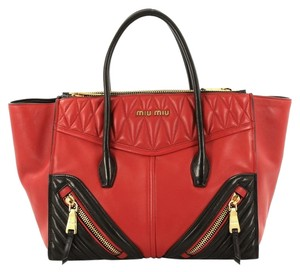 b9b933d75370 Miu Miu Leather Medium Tote in red and black