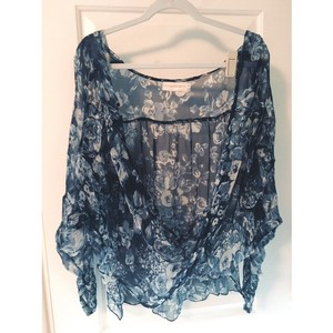 4 Love and Liberty Top Blue & white