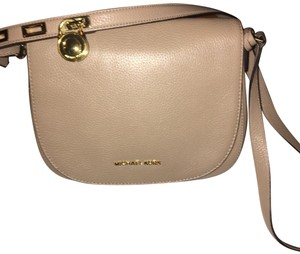 ef4a24b81fde Michael Kors Bags on Sale - Up to 70% off at Tradesy (Page 18)