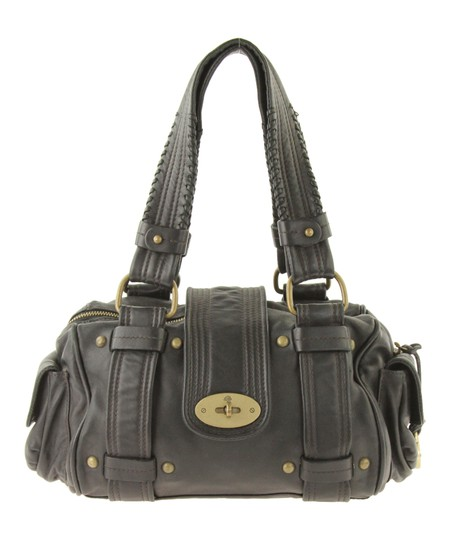 Preload https://img-static.tradesy.com/item/24312565/mulberry-carnaby-black-leather-shoulder-bag-0-0-540-540.jpg