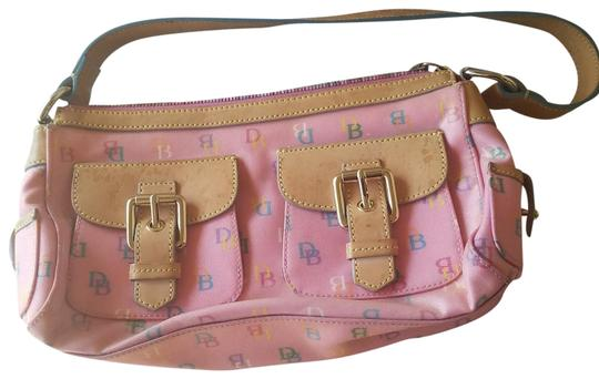 Preload https://img-static.tradesy.com/item/24312827/dooney-and-bourke-small-signature-logo-purse-multi-pink-coated-canvas-baguette-0-1-540-540.jpg