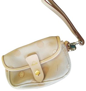 Dooney & Bourke Wristlet in taupe