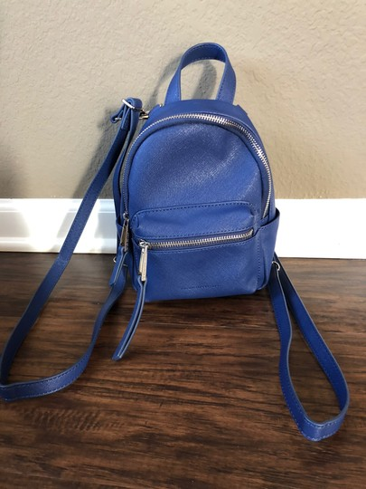 Preload https://img-static.tradesy.com/item/24313397/french-connection-mini-convertible-navy-blue-leather-backpack-0-2-540-540.jpg