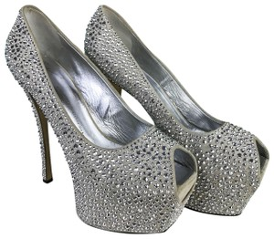 Giuseppe Zanotti Crystal Exaggerated Beige Pumps