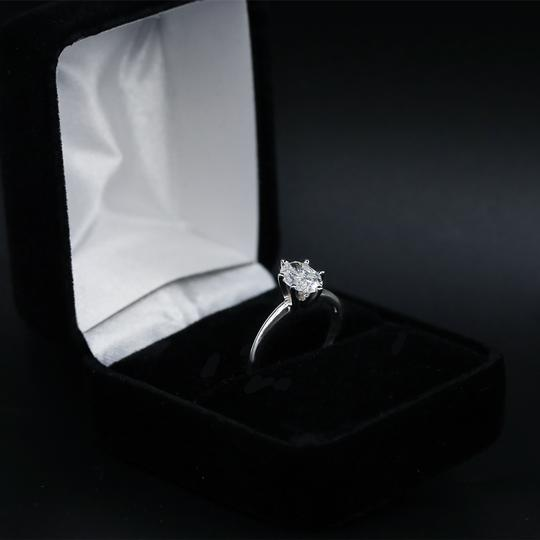 14k White Gold Engagement Features 1.00ct Center Oval Ring Image 1