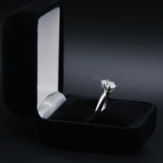 14k White Gold Engagement Features 1.00ct Center Oval Ring Image 2