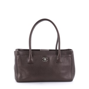 Chanel Leather Cerf Tote in grey