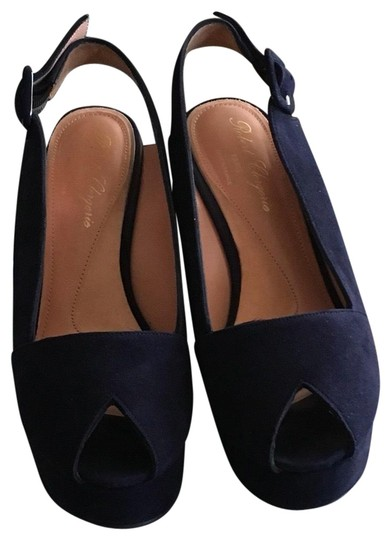 Preload https://img-static.tradesy.com/item/24314590/robert-clergerie-navy-gold-studs-basta-navy-suede-wedges-size-eu-395-approx-us-95-regular-m-b-0-3-540-540.jpg