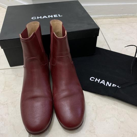 chanel burgendy Boots Image 2