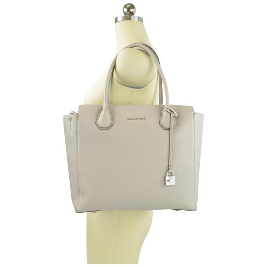 aba5f88ec24ec4 ... Michael Kors Mercer Mercer Large Mercer Large Satchel Tote in Cement  Image 1