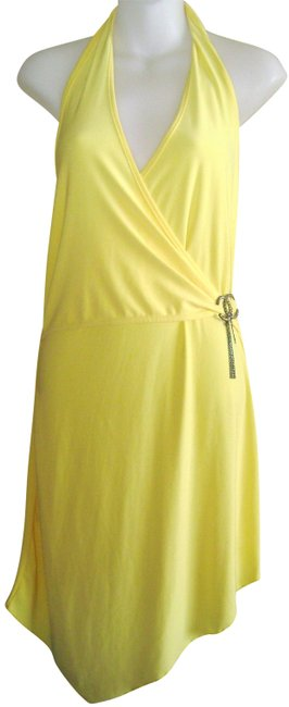 Preload https://img-static.tradesy.com/item/24314727/yellow-halter-small-mid-length-night-out-dress-size-6-s-0-3-650-650.jpg