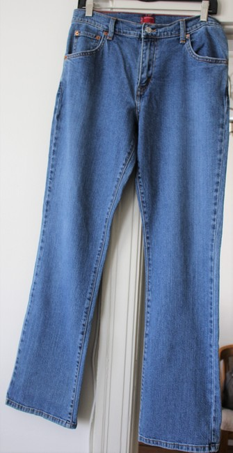 Levi's 501 Relaxed Prewash Boot Cut Jeans-Medium Wash Image 2
