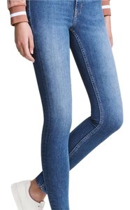 H&M High Rise Highwaisted Ankle Stretchy Skinny Jeans-Medium Wash