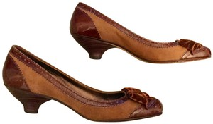 Arturo Chiang Genuine All Leather Spectator Office Brown Pumps