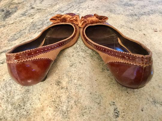 Arturo Chiang Genuine All Leather Spectator Office Brown Pumps Image 1