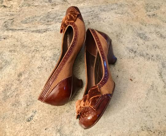 Arturo Chiang Genuine All Leather Spectator Office Brown Pumps Image 2