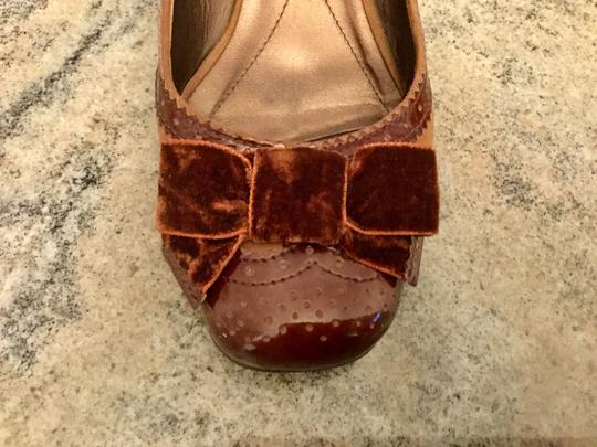 Arturo Chiang Genuine All Leather Spectator Office Brown Pumps Image 4