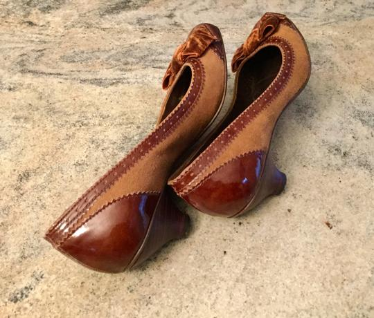 Arturo Chiang Genuine All Leather Spectator Office Brown Pumps Image 9