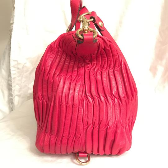 Coach Purse Handbag Shoulder Tote Pleated Satchel in Red Gold Image 3
