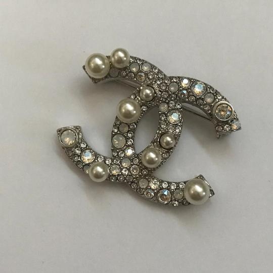 Chanel Silver Pearl Crystal Broach Pin Image 10