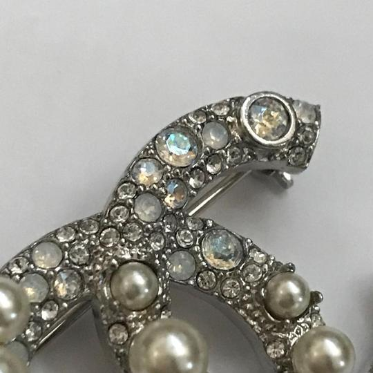 Chanel Silver Pearl Crystal Broach Pin Image 11