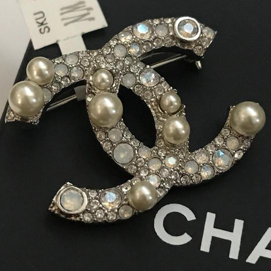 Chanel Silver Pearl Crystal Broach Pin Image 2