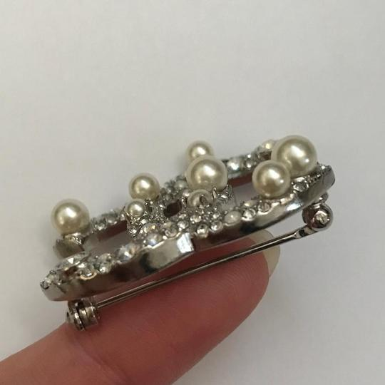 Chanel Silver Pearl Crystal Broach Pin Image 5