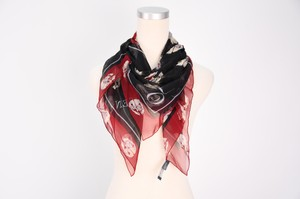 Alexander McQueen Alexander McQueen 100% Silk Scarf Black and Red