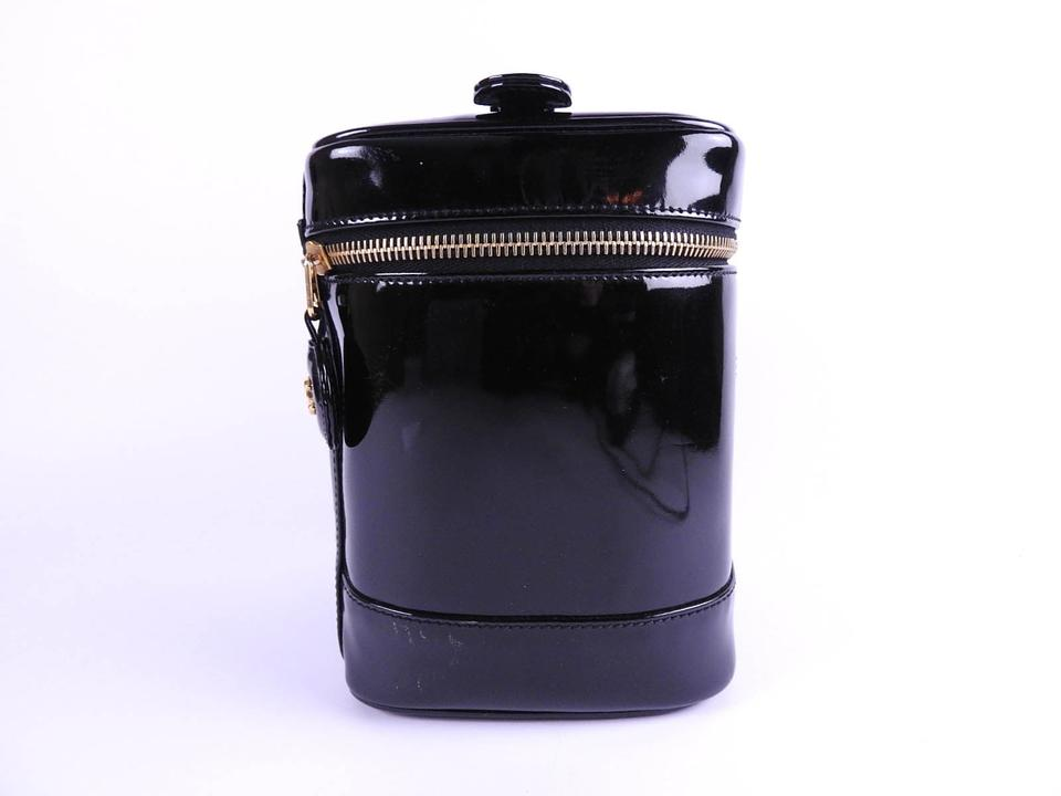 12a54c627ee5 Chanel CHANEL CC Logo Vanity Bag Cosmetic Pouch Enamel Patent Leather Black  Image 11. 123456789101112