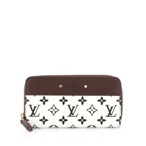Louis Vuitton Wallet Canvas Leather Wristlet in white and black with brown