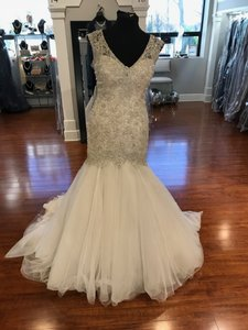 Allure Bridals Champagne/Ivory/Silver Metallic Lace C343 Feminine Wedding Dress Size 20 (Plus 1x)