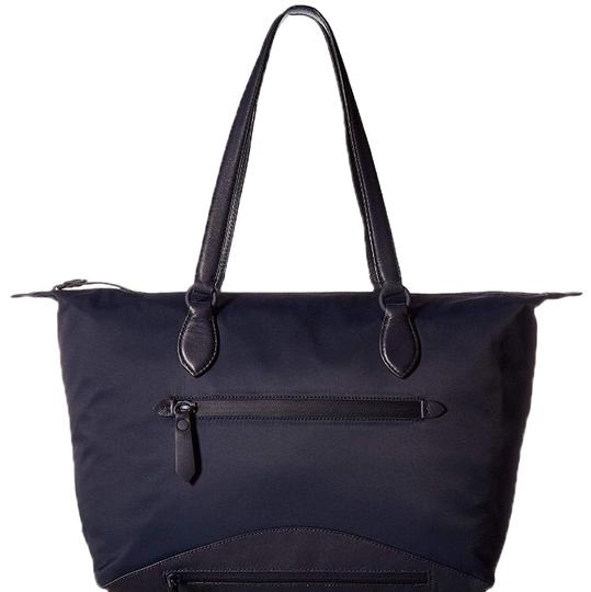 Preload https://img-static.tradesy.com/item/24321379/cole-haan-zerogrand-travel-navy-blue-nylon-and-leather-tote-0-3-540-540.jpg