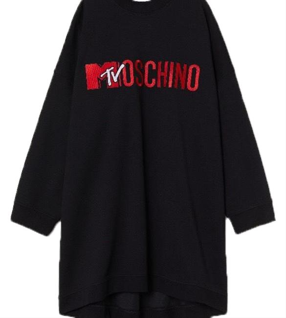Preload https://img-static.tradesy.com/item/24321706/moschino-tv-h-and-m-black-oversized-mid-length-casual-maxi-dress-size-4-s-0-3-650-650.jpg