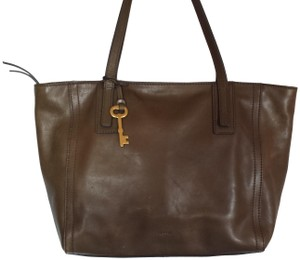 Fossil Tote in Olive